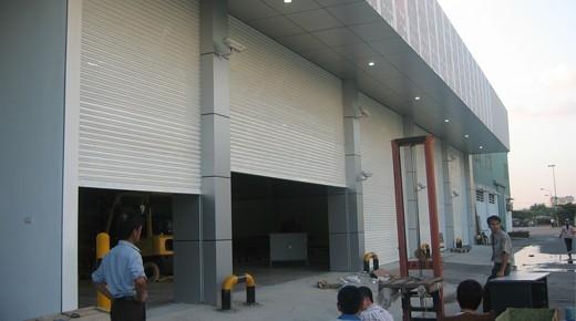 Cửa Cuốn Siêu Trường: Cửa cuốn dùng cho Nhà xưởng có kích thước cửa lớn (Rộng)