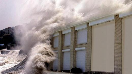 Cửa cuốn chống bão HURRI50-Giá KM: 2,999,000 VNĐ/m2